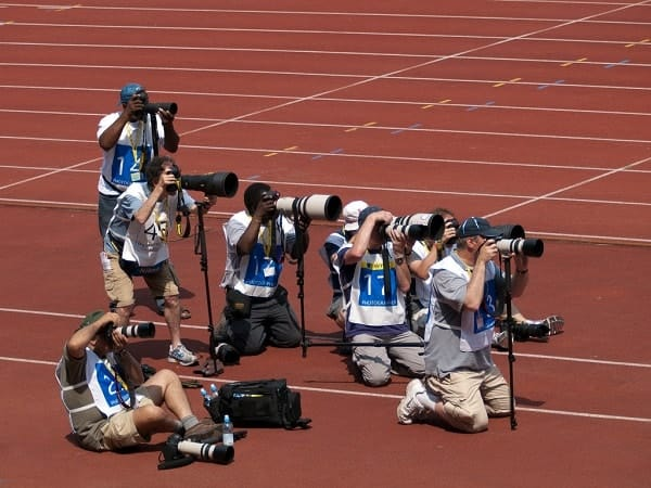 how to make money in sports photography