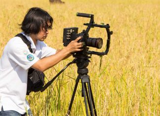 Best Tripods for DSLR Video Shooting | Compare Top 4 Models