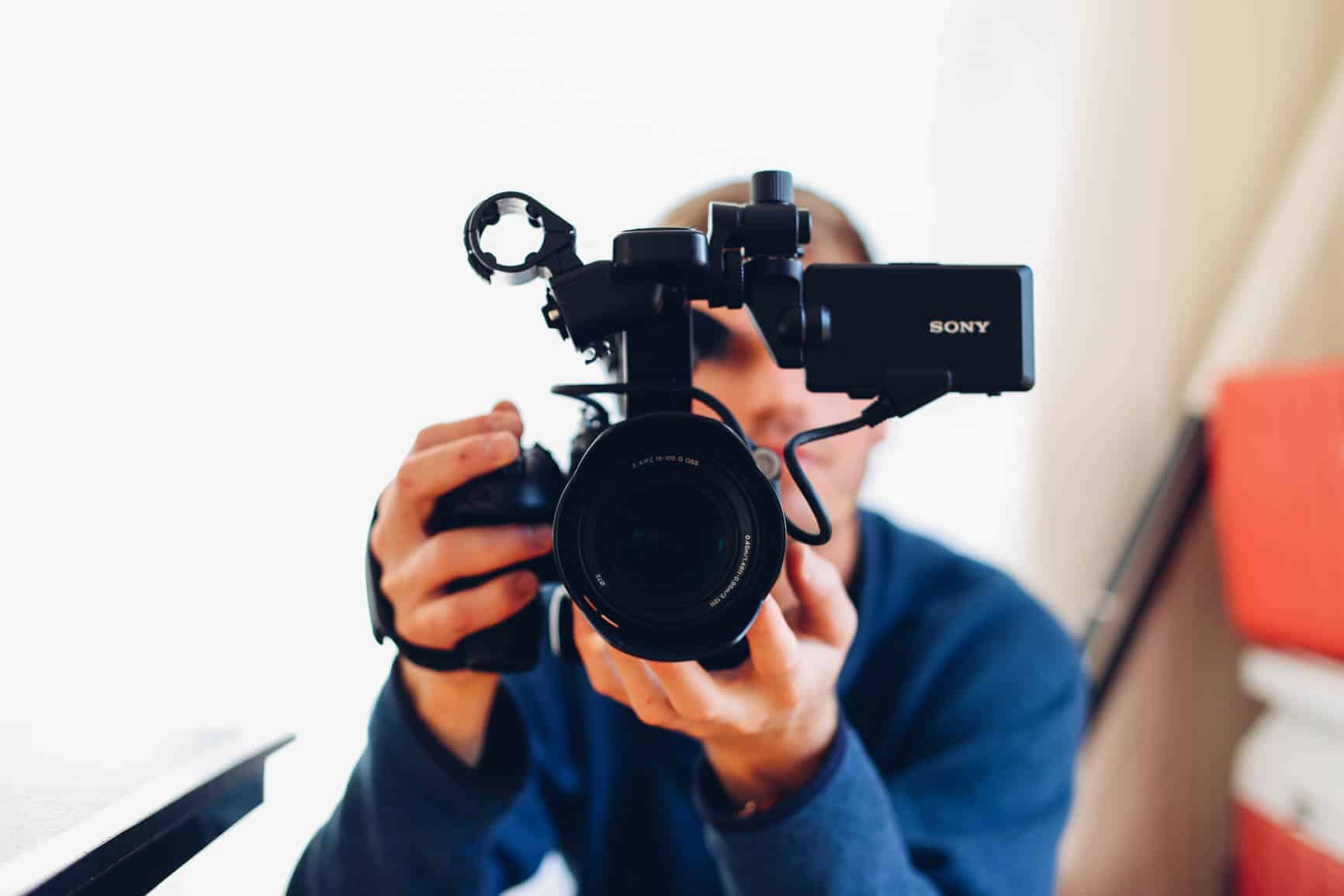 Revealed cameras famous youtubers use incl latest models what fandeluxe Gallery