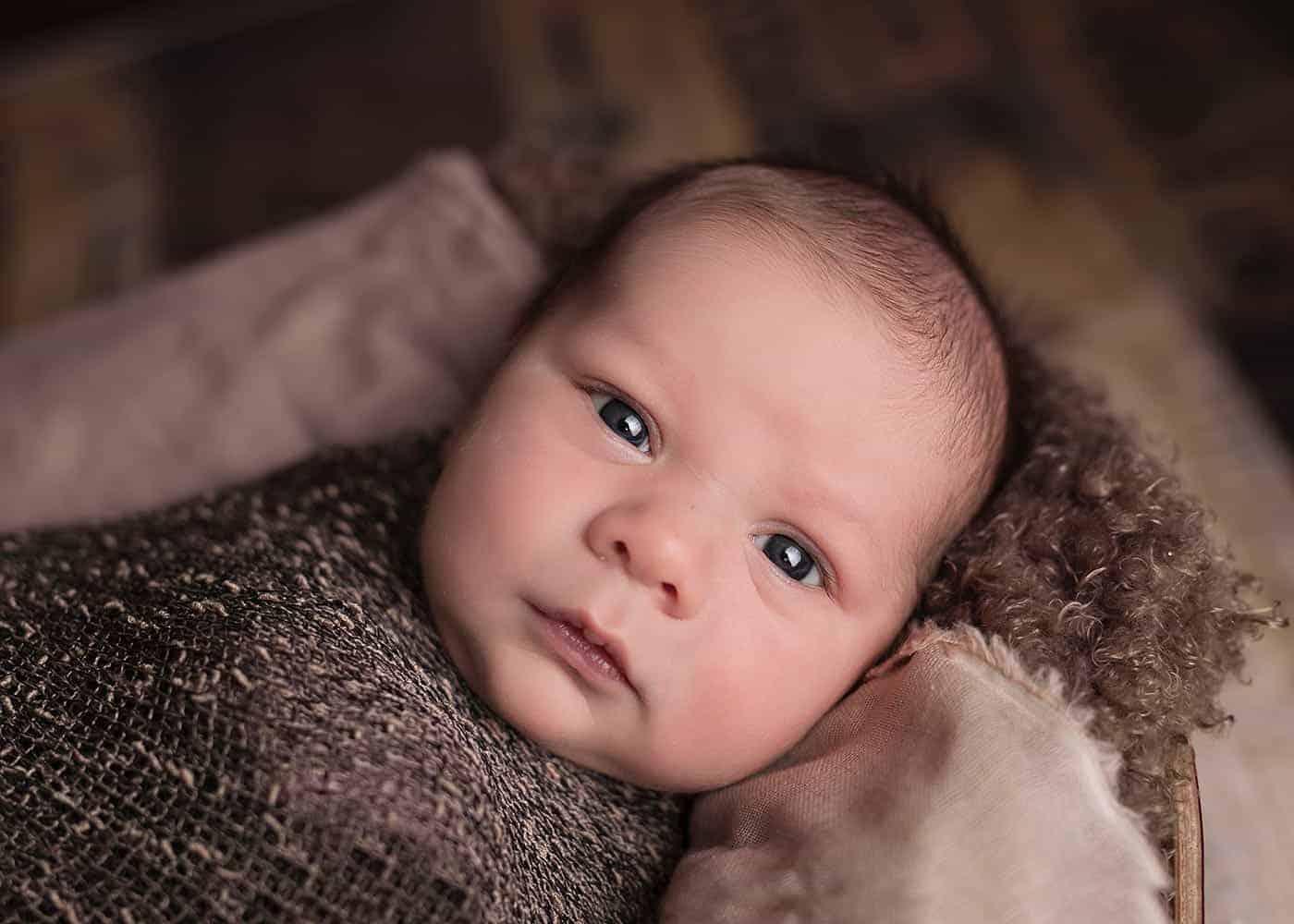 newborn shoot with reflector