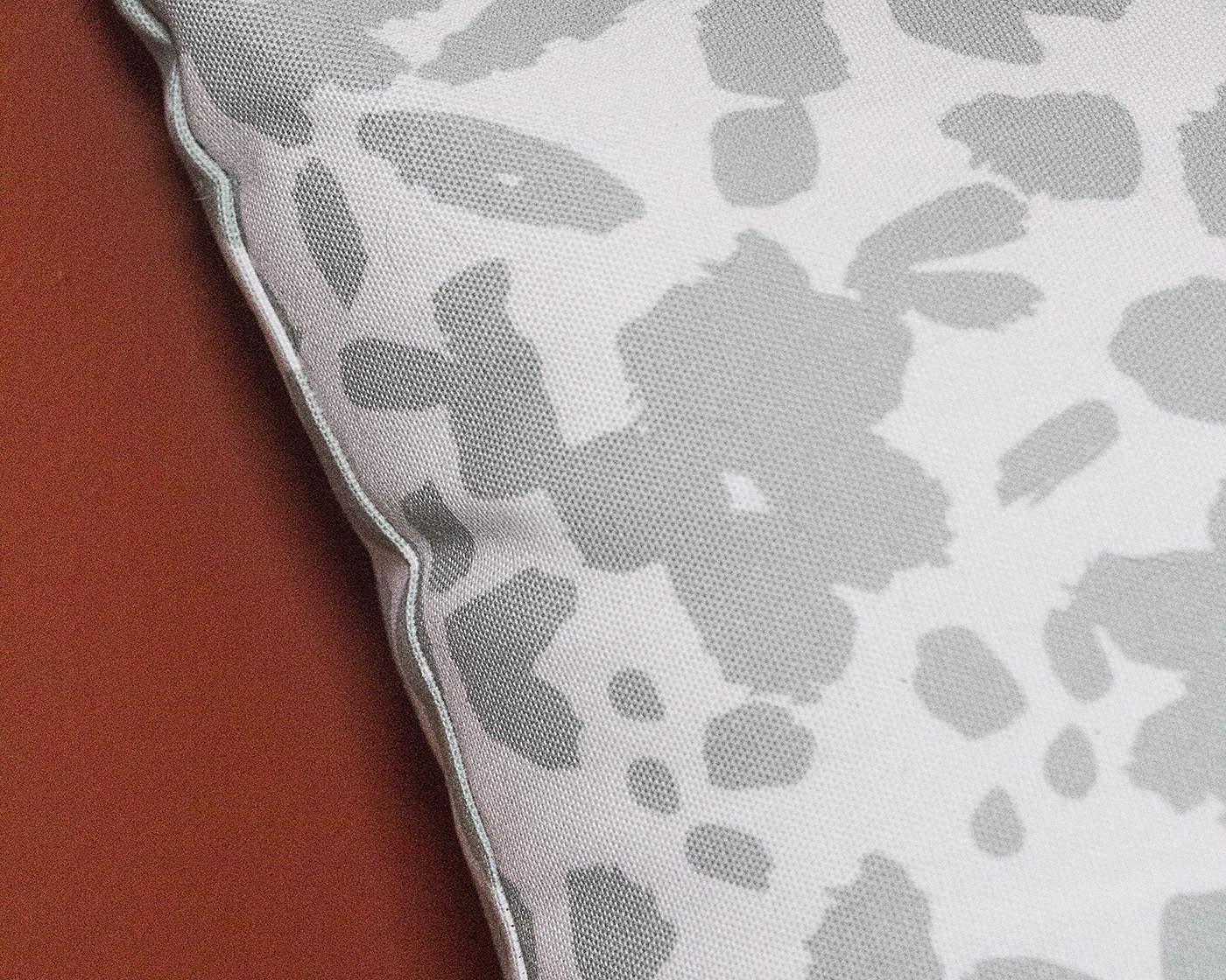 CanvasPop throw pillow detail