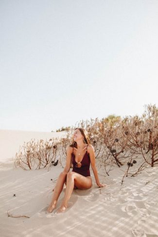 Outdoor Full Body Portrait: Beach Location