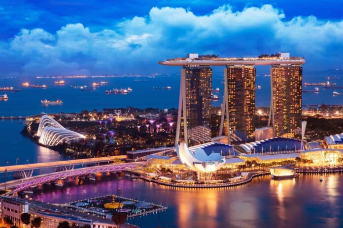 Singapore cityscape at dusk is a great motive for photographers visiting Singapore.