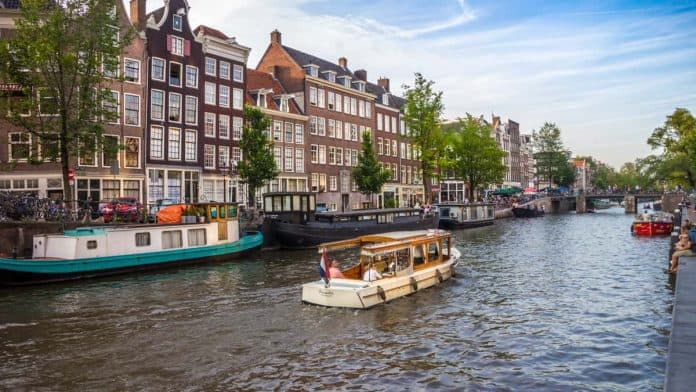 What to photograph in Amsterdam - Canals