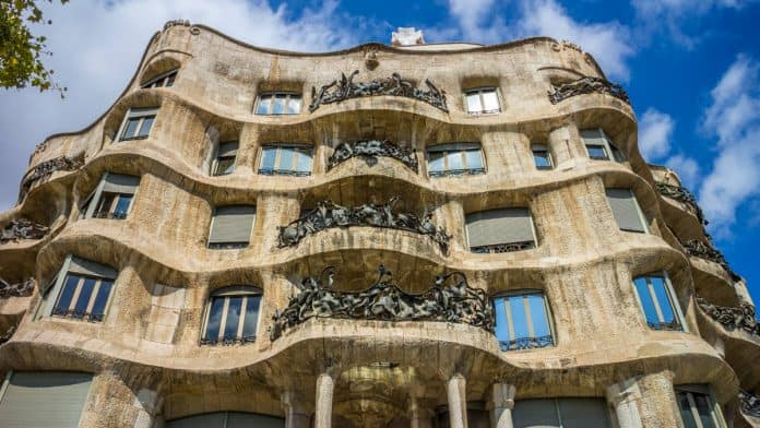 Photographing Casa Mila Barcelona