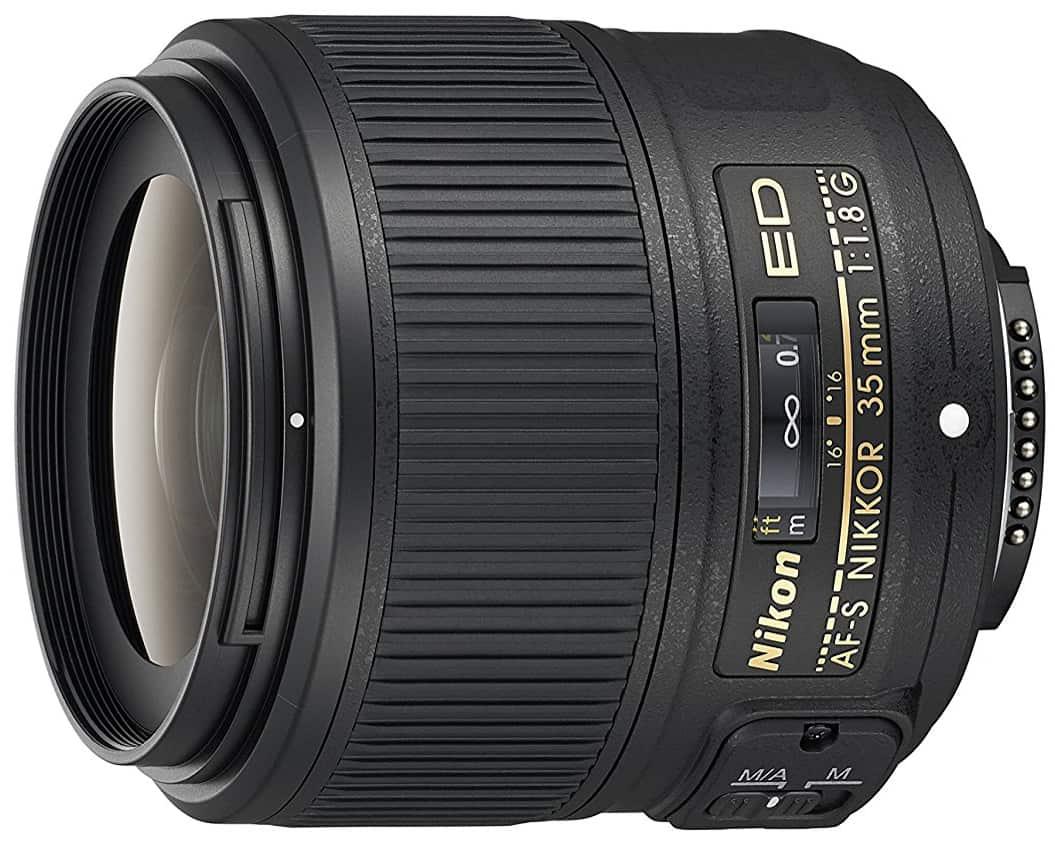 wide maximum aperture lens