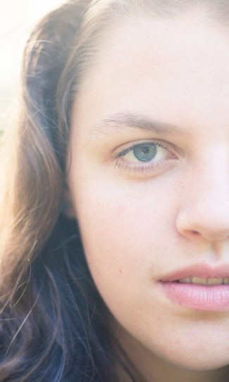 Focus on the eyes in portraits