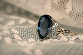 best lenses for jewelry photography